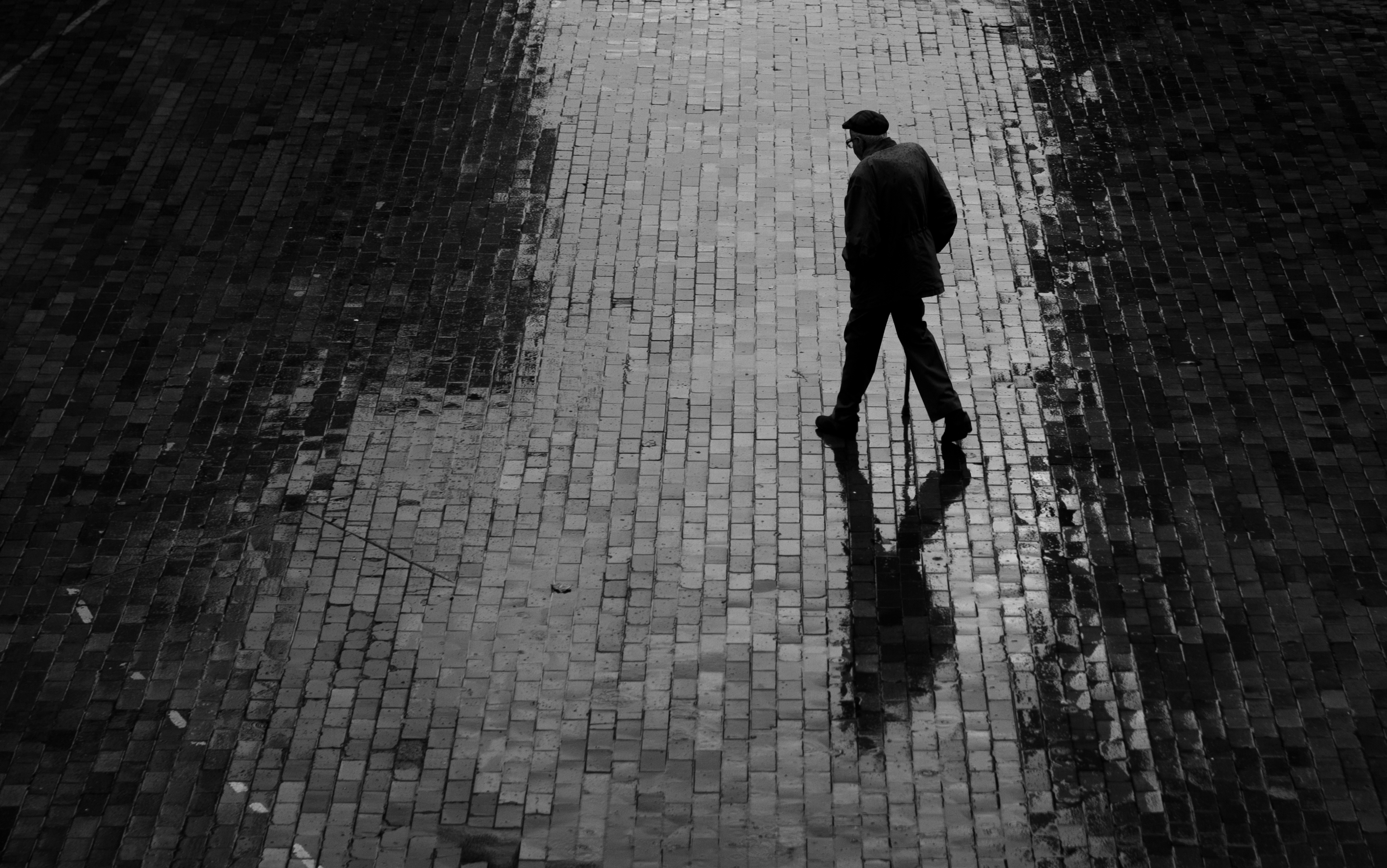 Man Walking In The Rain Pictures to Pin on Pinterest ...